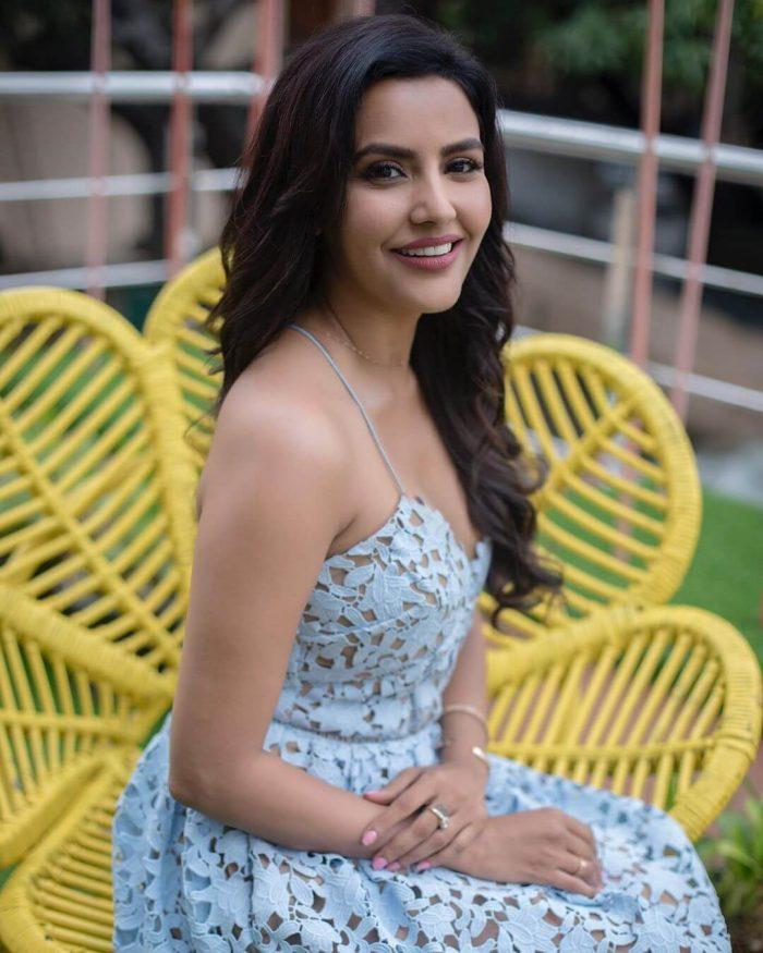 Priya Anand Images