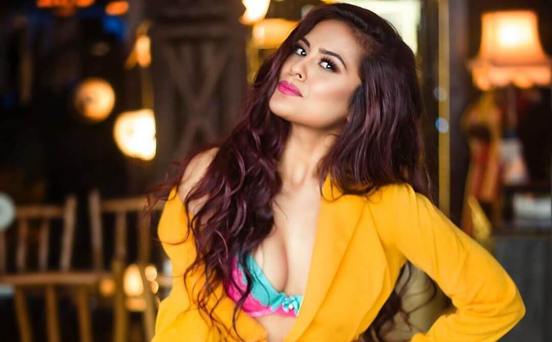 Sana Saeed Images