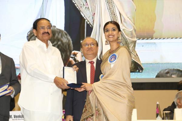 keerthy suresh national award video
