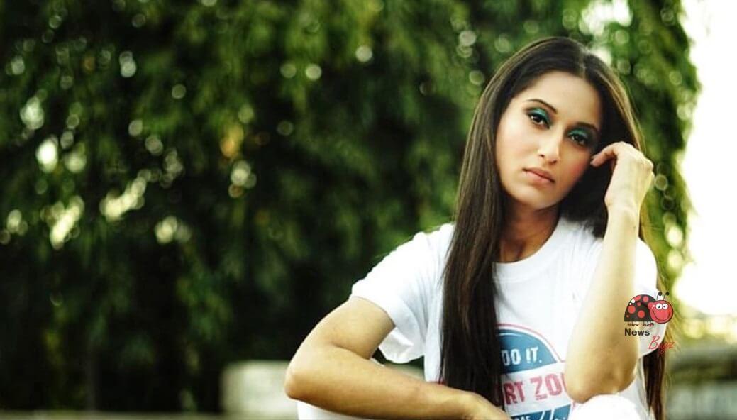 Saadhika Syal