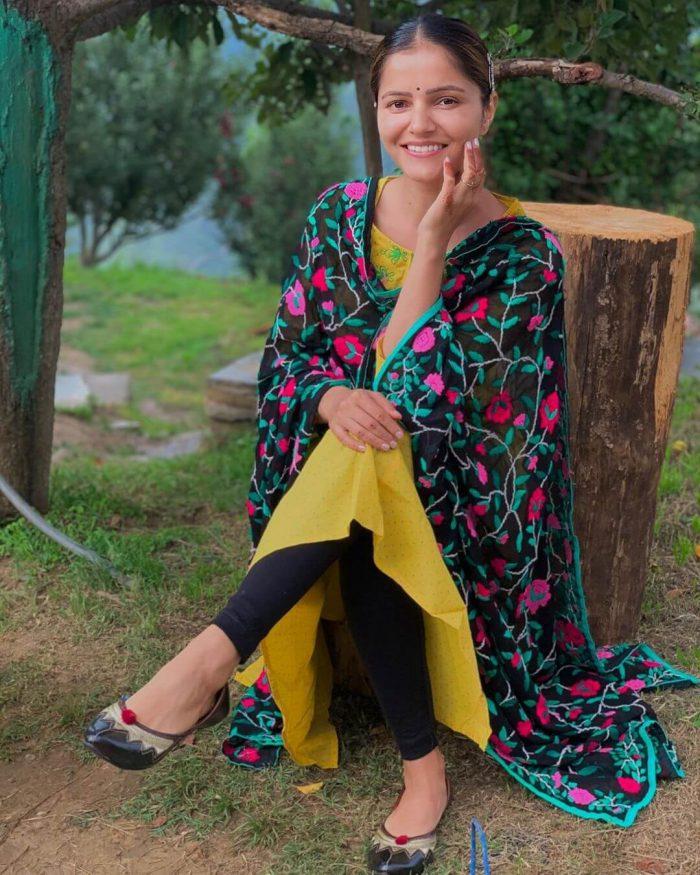 Rubina Dilaik Pictures