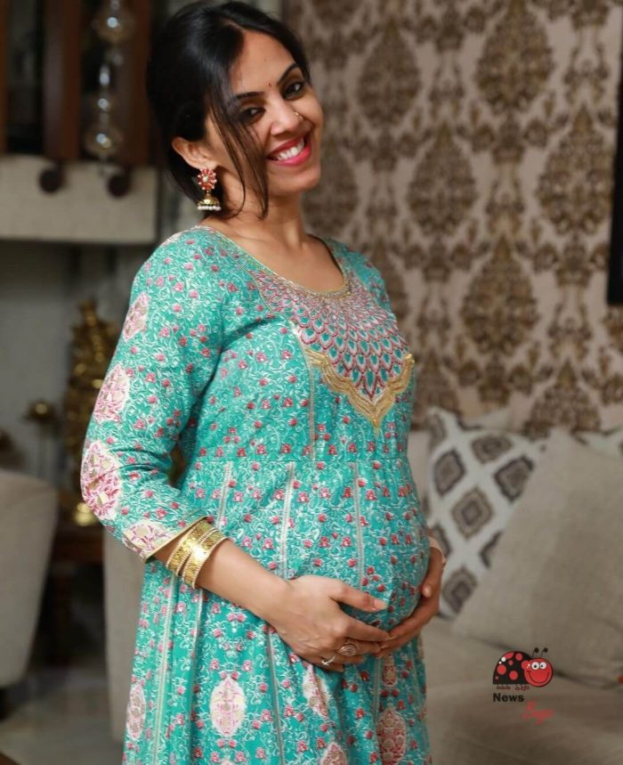 Archane Chandhoke sister pics